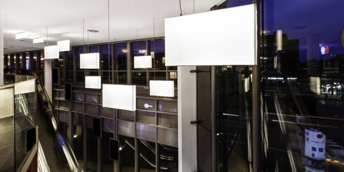 notholt lighting design mundsburg center lichtkonzepte. Black Bedroom Furniture Sets. Home Design Ideas