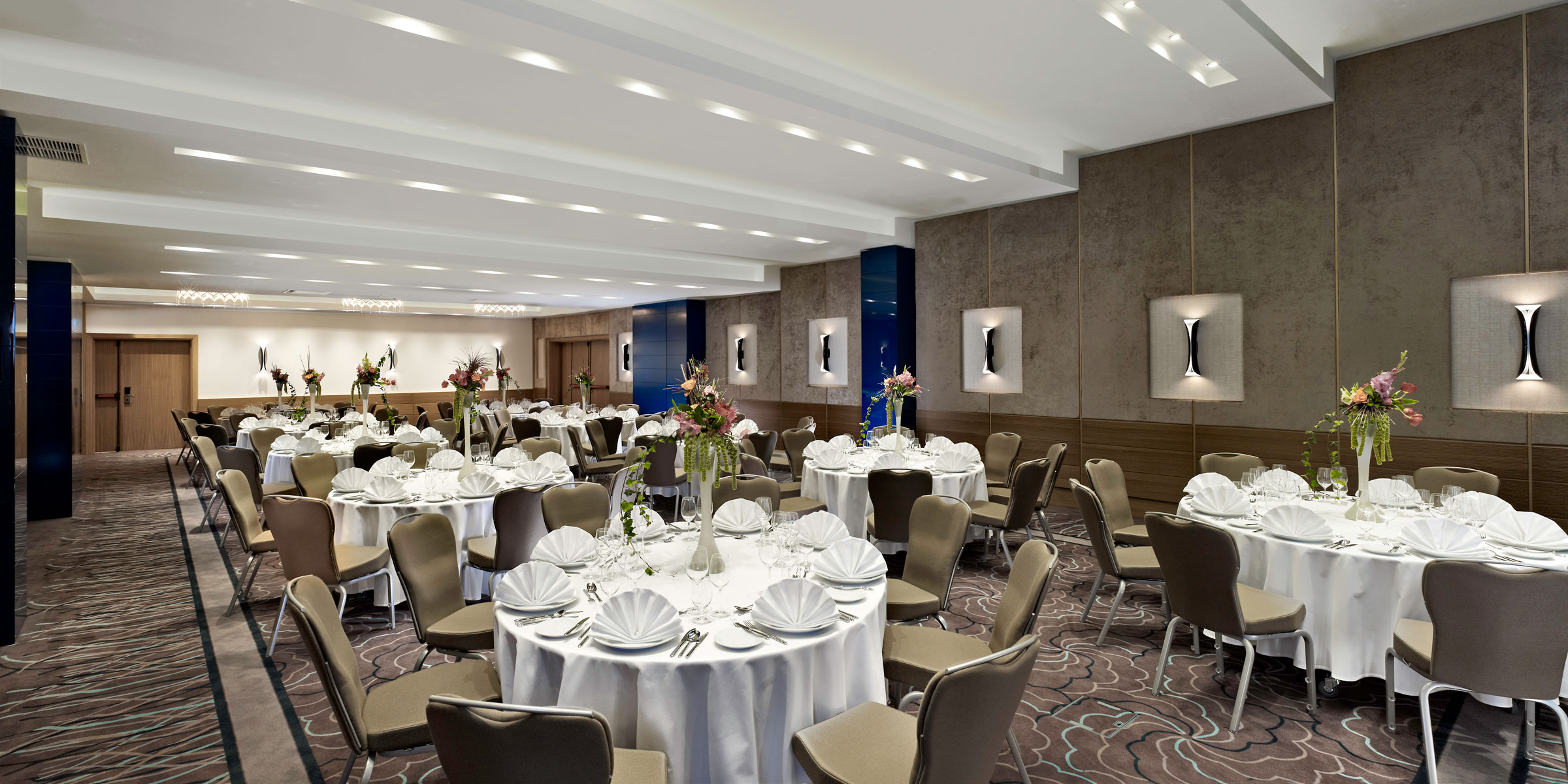 Notholt Lighting Design Hotel Doubletree By Hilton